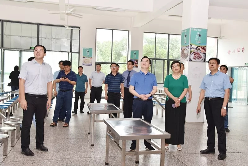 压实法律责任 增进人民福祉 吴震率队开展《传染病防治法》执法检查
